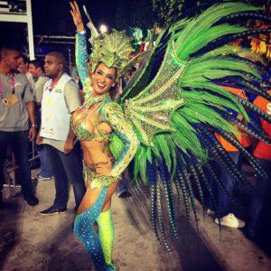 Samantha-Flores-musa-carnaval-império-da-tijuca